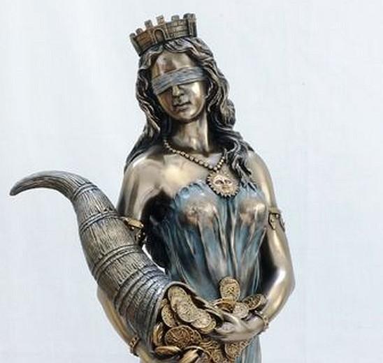 Ved lodtrækning lader man beslutningen være op til Fortuna, tilfældets gudinde.